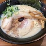 壱角家博多豚骨ラーメン.JPG